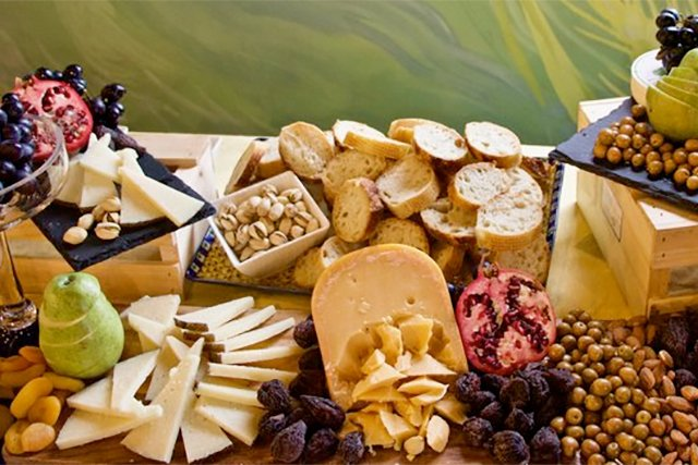 cheese-board_eileen-mellon_teaser.jpg