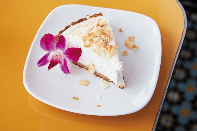 Dining_Review_LittleNickel_CoconutCremePie_ALEXIS-COURTNEY_rp0518_rp0119_cropped.jpg