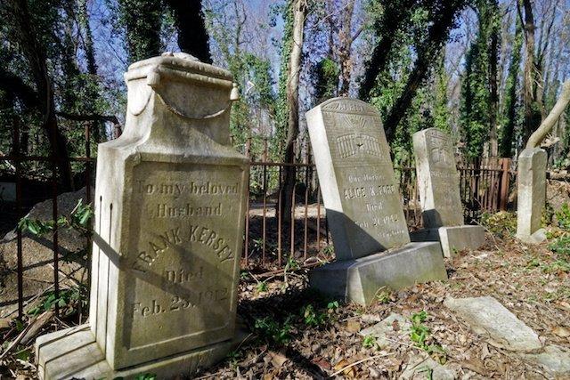 Evergreen graves.JPG