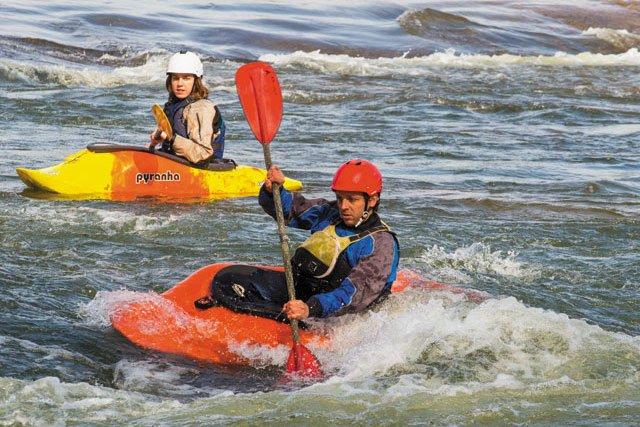 GoSouth_StratfordHills_kayaking_JAYPAUL_rp0319_teaser.jpg