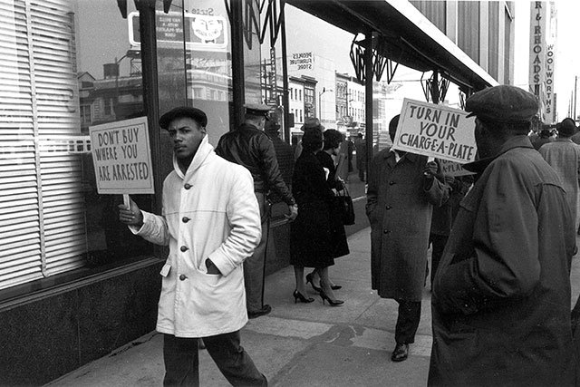 VUU-Protest-at-Thalhimers-1960_Anderson-Collection,-The-Valentine.jpg