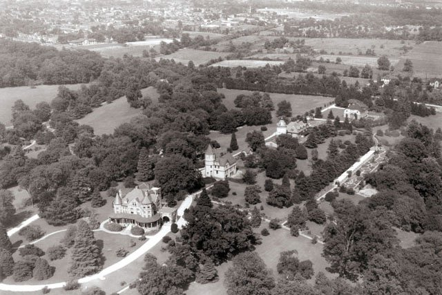 features_maymont_Maymont-aerial-view-1930s---Copy_hp0319_teaser.jpg