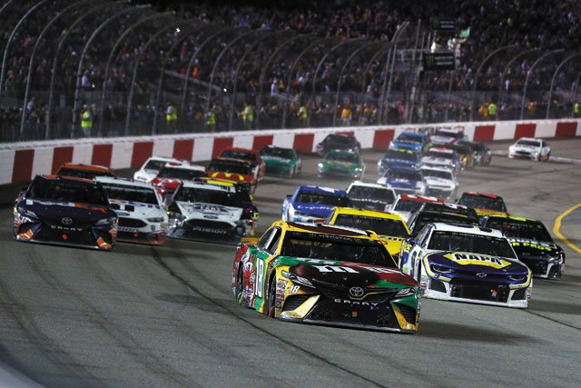 Busch grabs early lead at Richmond Raceway