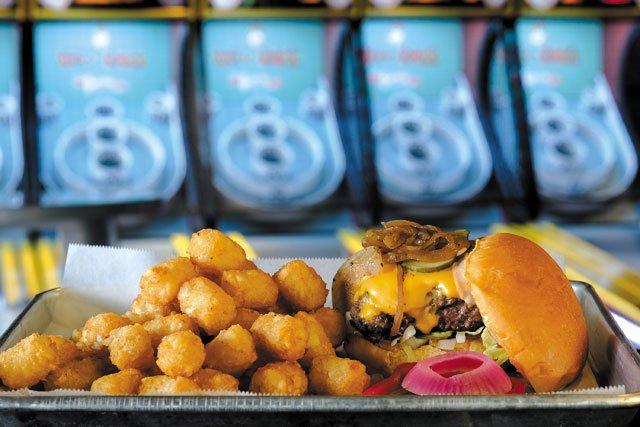 Eat&Drink_QuickTake_Bingo_MammalStyleBurger_JAY_PAUL_rp0419.jpg