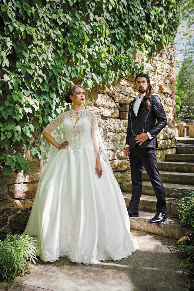 Feature_Regal&Romantic2_SARAH_WALOR_bp0619.jpg