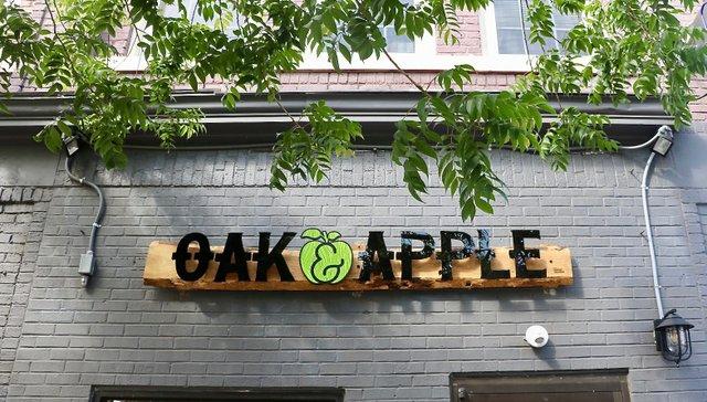Oak&AppleSign_EileenMellon.jpg