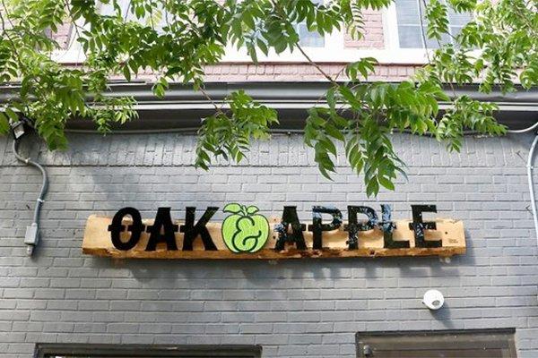 oak-and-apple_eileen-mellon_teaser.jpg