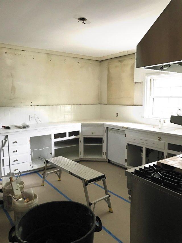 departments_kitchen_demo_hp0519.jpg