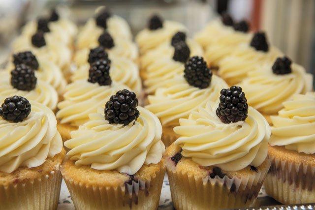 Westhampton_Pearls_Cupcakes_JAYPAUL_rp0719.jpg