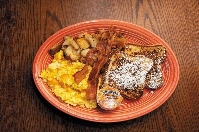 Sidewalk-Cafe_GregΓÇÖs-Big-Breakfast-w-FrenchToast_Monica-Escamilla_0719.jpg