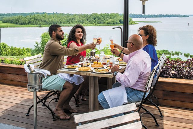 TheBoathouse_Hopewell_PatioBrunch_JustinChesney_0719_teaser.jpg