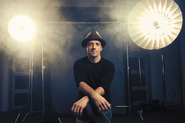 B&W_News&Media_Jason_Mraz_JUSTIN_BETTMAN_COURTESY_rp0819.jpg