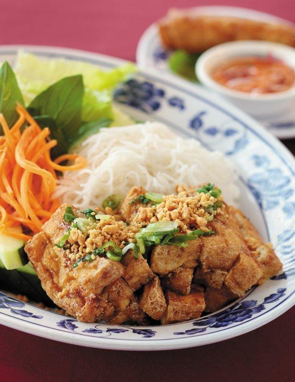 B&W_Food&Drink_Mekong_ADAMEWING_rp0819.jpg