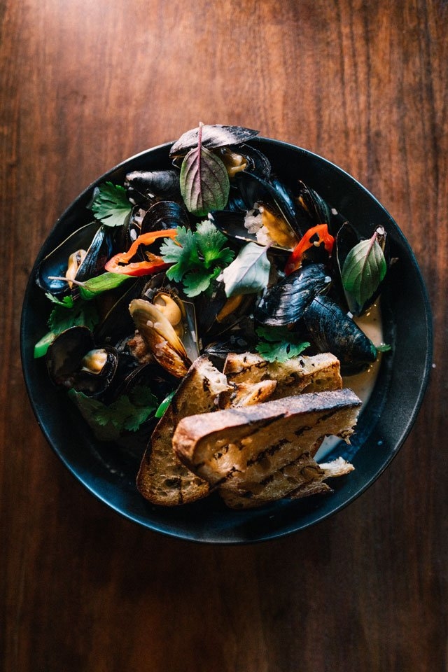 Eat&Drink_Review_Aloi_Mussels_SHAWNEE_CUSTALOW_rp0819.jpg