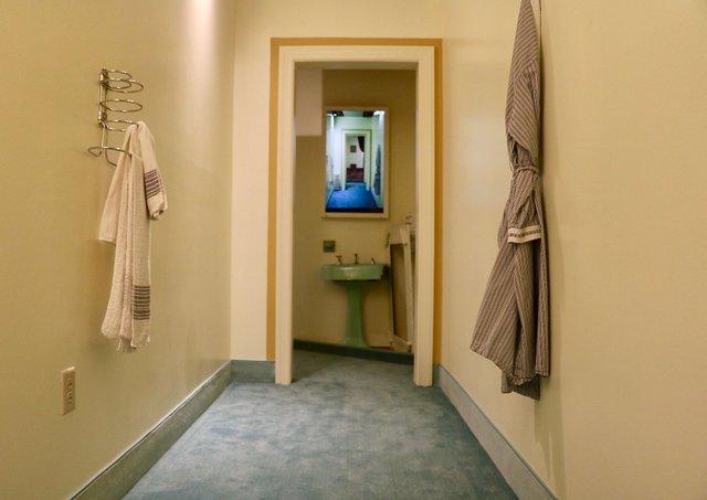 BathroomHotelGreene_EileenMellon.jpg