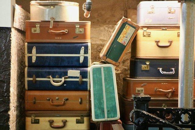 SuitcasesHotelGreene_EileenMellon.jpg