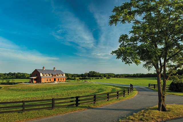 features_barn_GORDON_GREGORY_hp0719_wide-feature.jpg