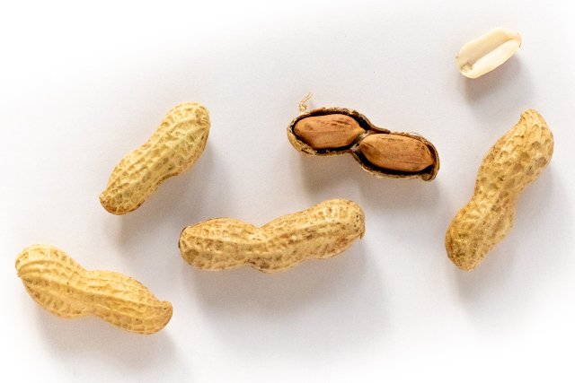 Eat&Drink_Ingredient_Peanuts_LAUREN_BALDWIN_rp0919-web.jpg