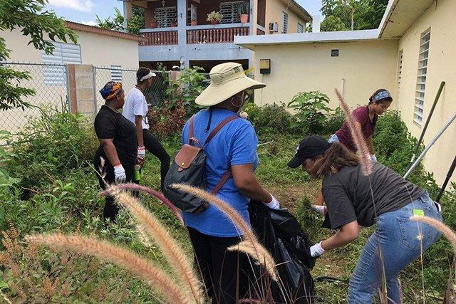 icyv-puerto-rico_cleanup_Isabel-Talanehzar.jpg