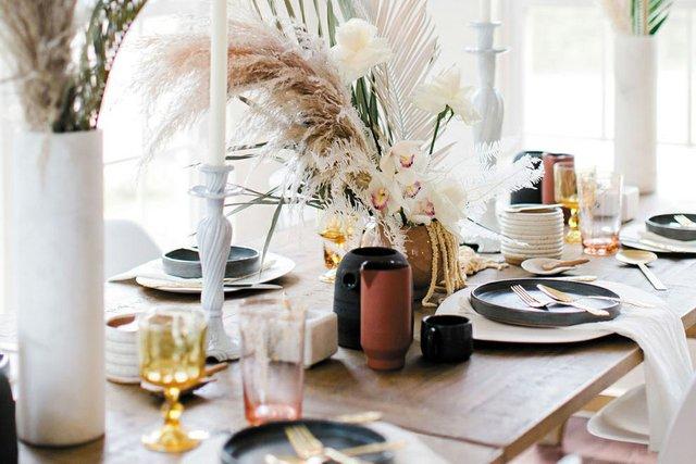Living_Style_Tablescape2_SARAHDER_rp1019_teaser.jpg