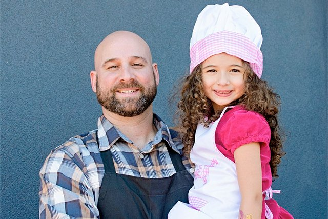 izzys-kitchen_courtesy-sharon-carter_teaser.jpg