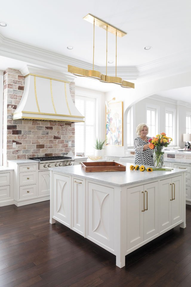 feature_grove_kitchen1_KIM_FROST_hp0919.jpg