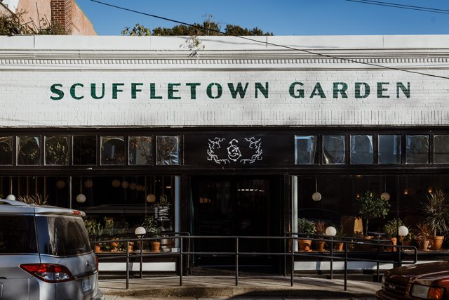 Eat&Drink_Review_ScuffletownGarden_Exterior_KATE_THOMPSON_rp1219.jpg
