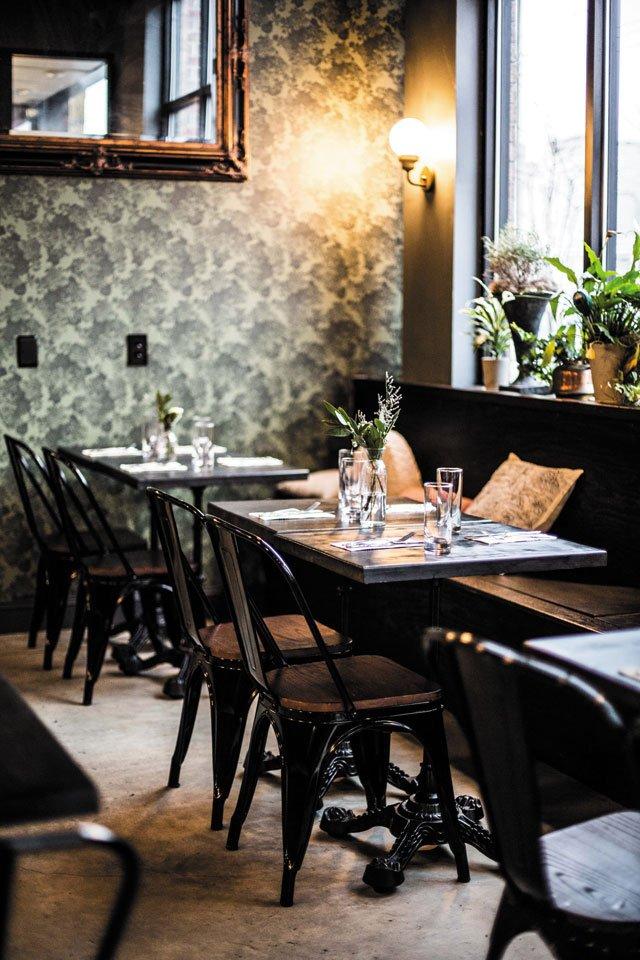 Eat&Drink_Review_Grisette_DiningRoom_JUSTIN_CHESNEY_rp0320.jpg