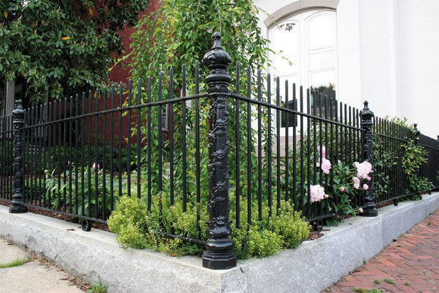 department_trades_floral_post_replicas_fence_OK_FOUNDRY_hp0320.jpg