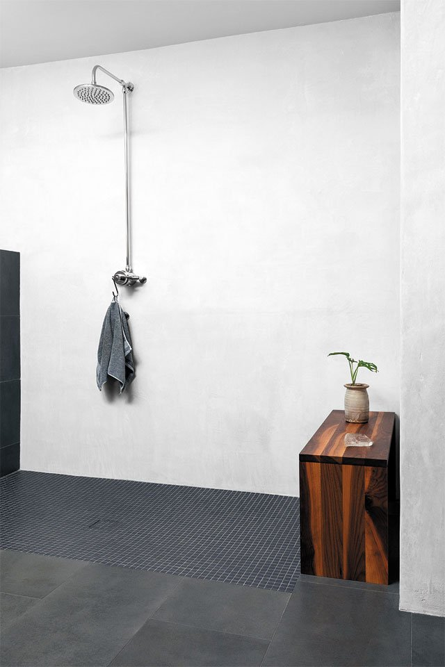 feature_modern_Bathroom-copy_KIM_FROST_hp0320.jpg