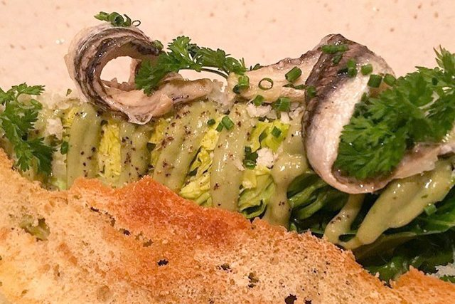 heritage-caesar-salad_eileen-mellon_teaser.jpg