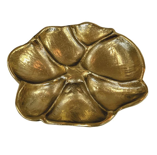 department_goods_Bridget-Beari-Home-Magnolia-Plate-60_COURTESY_hp0320.jpg