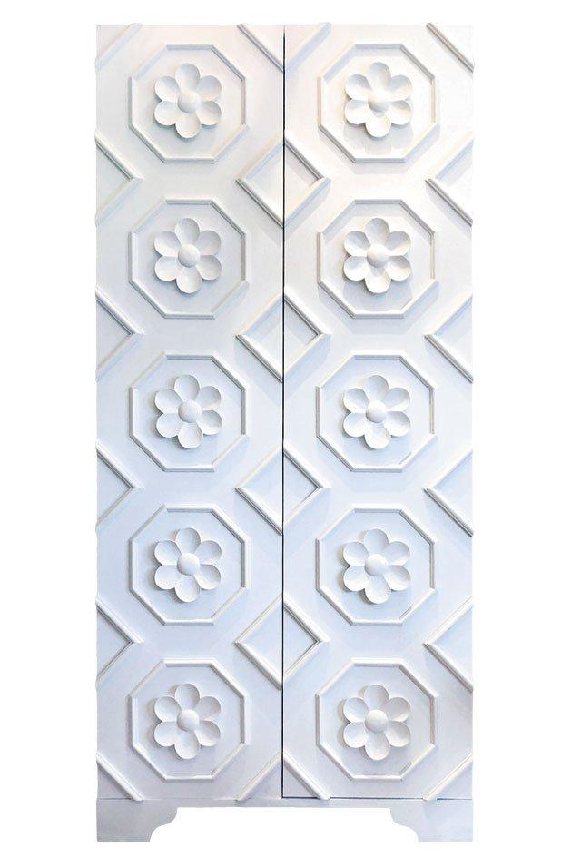department_goods_Elizabeth-Gray-Custom-Flower-Armoire-4195_COURTESY_hp0320.jpg