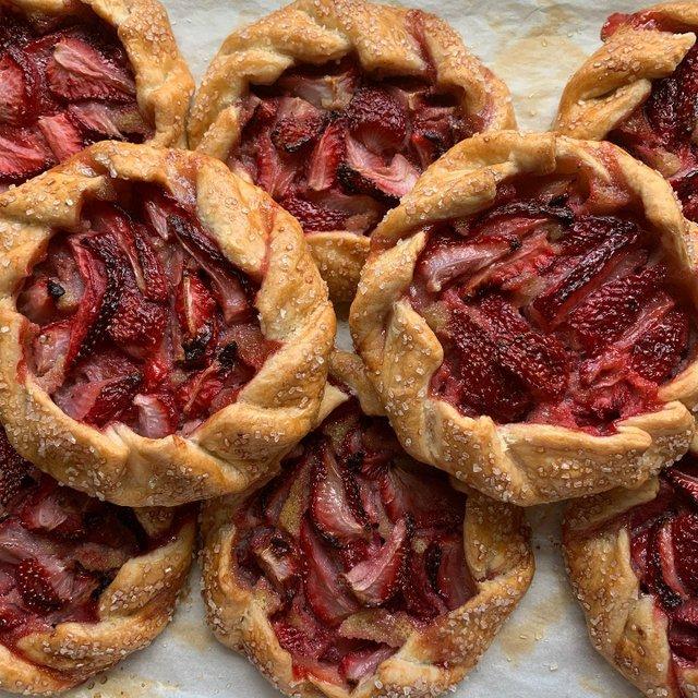 StrawberryAlmondTart_RiverCityBakery.jpg