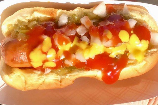 hot-dog_eileen-mellon_teaser.jpg