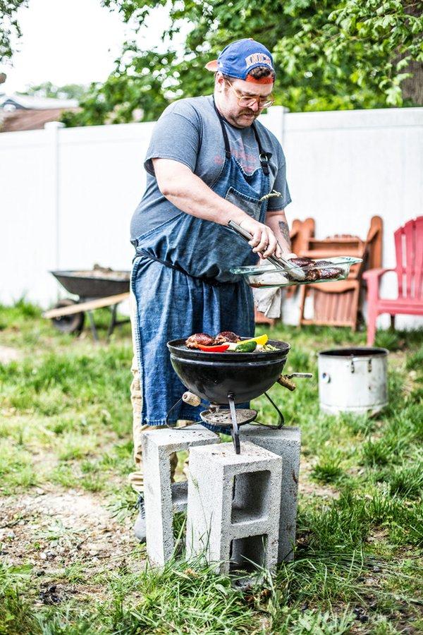 Eat&Drink_Recipes_Grilling_PaulKostandin_JUSTIN_CHESNEY_rp0620.jpg