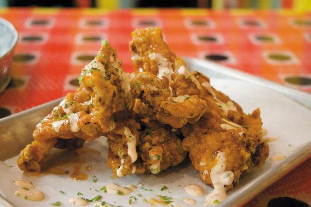 B&W_Food&Drink_HotChick_JAYPAUL_rp0820.jpg