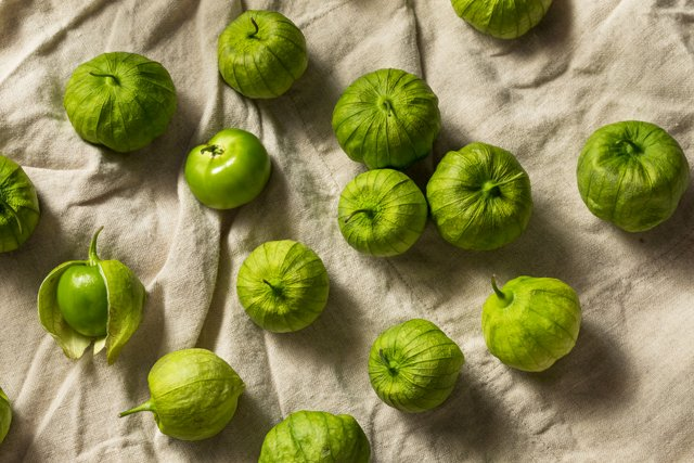 Eat&Drink_Shorts_Ingredient_Tomatillos_GETTY_rp0820.jpg