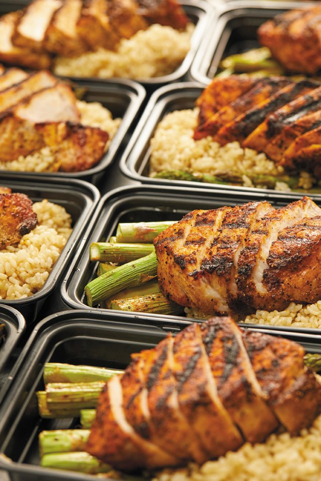 Eat&Drink_Opener_MealServices_HumanFoodRVA_PorkChops_TYLER_DARDEN_rp1020.jpg