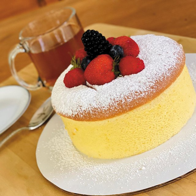 Eat&Drink_Bakeries_Cookies&Chill_JapaneseCheesecake_COURTESY_rp1120.jpg
