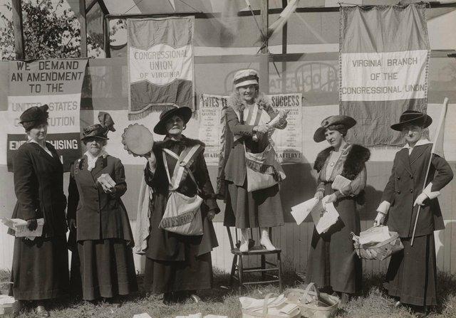 Suffragists at Va State Fair.jpg
