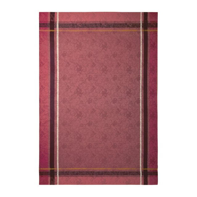 fob_TheGoods_Entertainer_Tablecloth_COURTESY_hp1120.jpg
