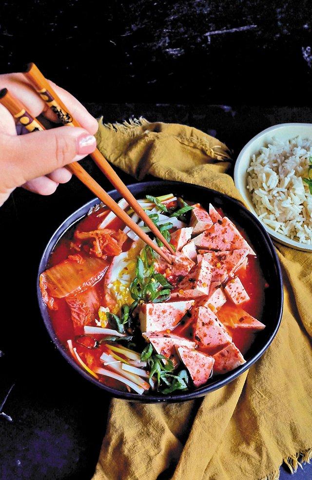Eat&Drink_Explore_KoreanFood_Jjigae_KEYA_WINGFIELD_rp0121.jpg