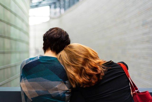 kulli-kittus-KQfxVDHGCUg-unsplash Grieving couple.jpg