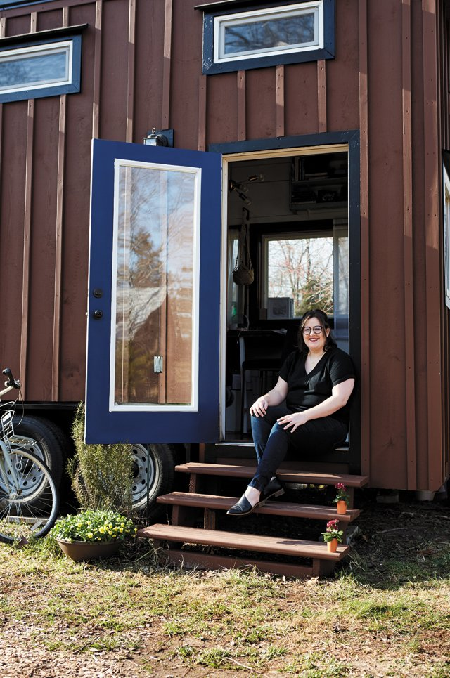 Feature_TinyHouse_AnnieColpitts_ALEXISCOURTNEY_hp0521.jpg