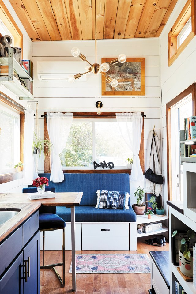 Feature_TinyHouse_Bench_ALEXISCOURTNEY_hp0521.jpg