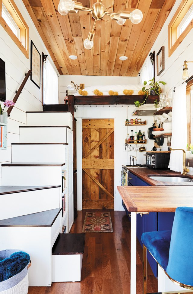 Feature_TinyHouse_Full_ALEXISCOURTNEY_hp0521.jpg