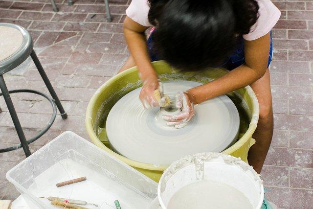 artventure_pottery_courtesy-VisArts-Sarah_Der.jpg