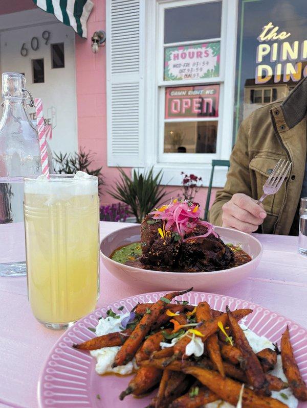 Eat&Drink_Opener_ThePinkDinghy2_EILEEN_MELLON_rp0621.jpg