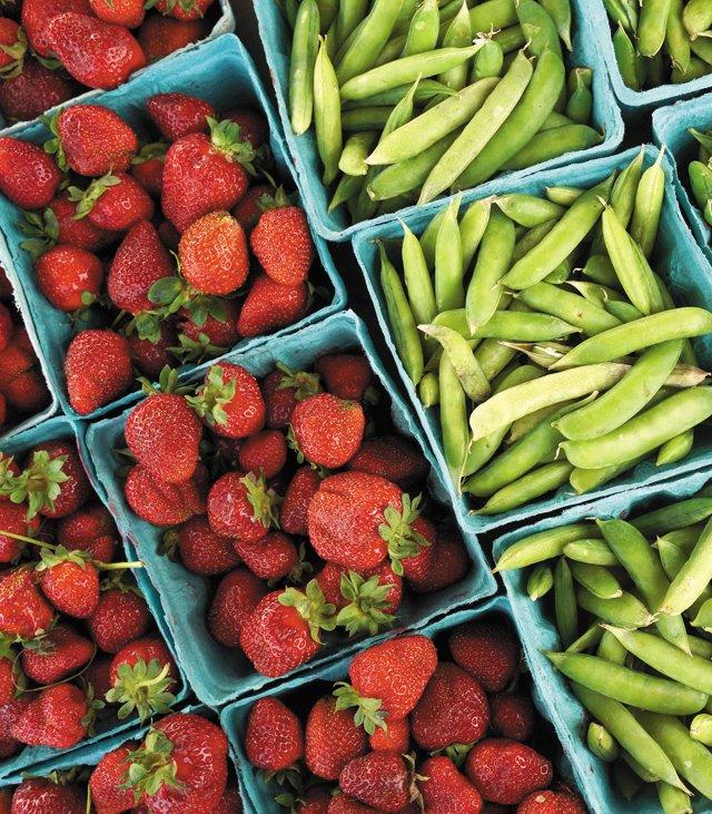 Feature_FarmersMarkets_CarytownFarmersMarket2_JAYPAUL_rp0621.jpg